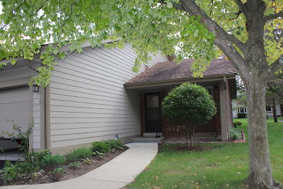 Greenfield Condo/Townhouse For Sale: 4929 S Imperial Dr