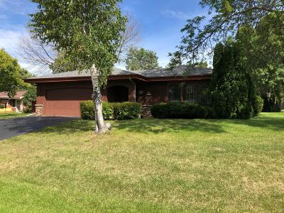 Muskego Single Family Home For Sale: S68w13588 Hale Park Cir