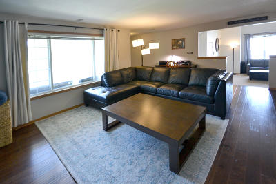 Oak Creek Condo/Townhouse Active Contingent With Offer: 6987 S Rolling Meadows Ct