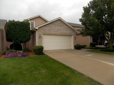Pleasant Prairie Condo/Townhouse Active Contingent With Offer: 4264 91st Pl #2