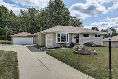 Menomonee Falls Single Family Home Active Contingent With Offer: W180n9020 Leona Ln