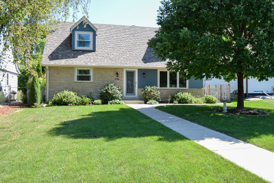 West Allis Single Family Home For Sale: 2754 S 112th St
