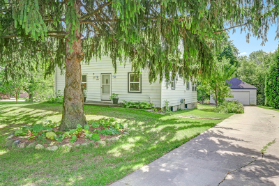 New Berlin Single Family Home Active Contingent With Offer: 5439 S Egofske Rd
