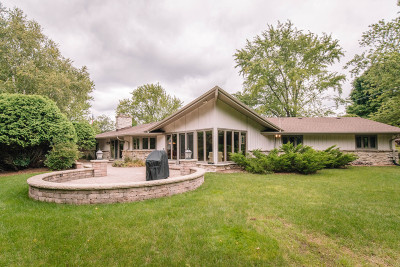 Brookfield Single Family Home Active Contingent With Offer: 19270 Timberline Dr