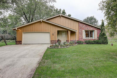 New Berlin Single Family Home Active Contingent With Offer: 13815 W Prospect Dr