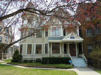 Milwaukee Single Family Home For Sale: 3127 W Wisconsin Ave