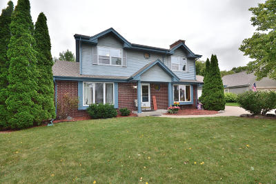 Waukesha Single Family Home Active Contingent With Offer: W226n2743 Aspenwood Ln