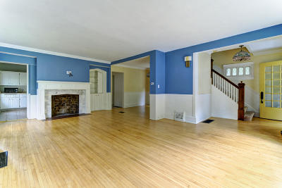 South Milwaukee Single Family Home For Sale: 1612 Lake Dr