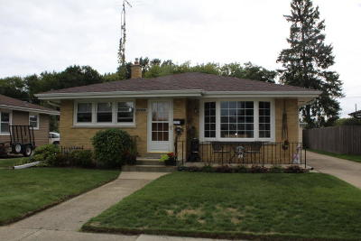 Kenosha Single Family Home Active Contingent With Offer: 1513 22nd St