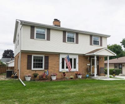 West Allis Single Family Home Active Contingent With Offer: 9711 W Harding Pl