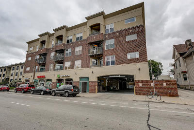Milwaukee Condo/Townhouse For Sale: 1619 N Farwell Ave #310