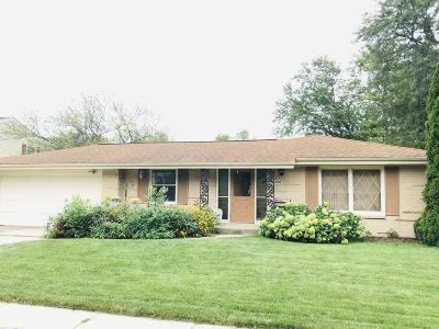 Greendale Single Family Home For Sale: 5226 Roberts Dr