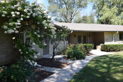 River Hills Single Family Home For Sale: 1550 W Cedar Ln