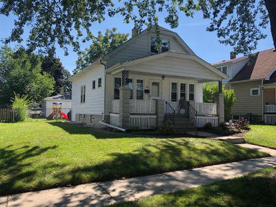 South Milwaukee Single Family Home For Sale: 637 Park Ave