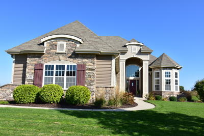 Menomonee Falls Single Family Home For Sale: W192n5690 Spencers Pass