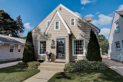 Wauwatosa Single Family Home For Sale: 2409 N 85th St