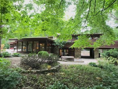 Menomonee Falls Single Family Home For Sale: N52w21765 Virginia Ln