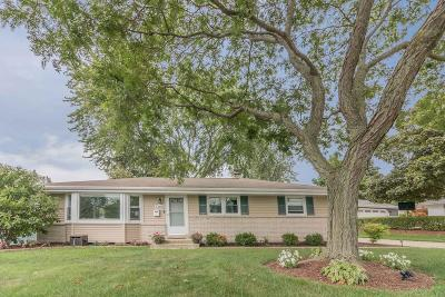 Menomonee Falls Single Family Home Active Contingent With Offer: N86w14553 Macarthur Dr