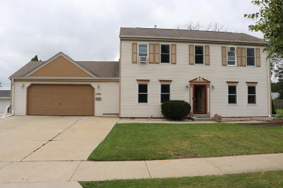 Milwaukee Single Family Home For Sale: 3440 S 83rd St