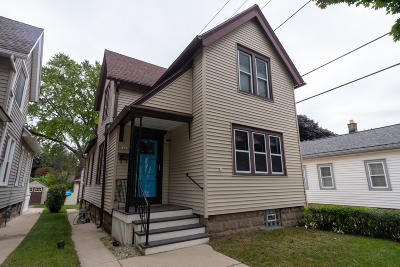 Milwaukee Single Family Home For Sale: 1425 E Russell Ave