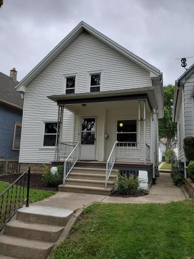 Milwaukee Single Family Home Active Contingent With Offer: 352 E Montana St