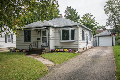 Waukesha Single Family Home For Sale: 81 N Greenfield Ave