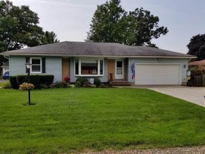 Kenosha Single Family Home For Sale: 2123 89th Pl