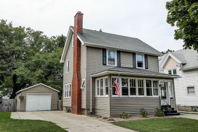 Waukesha Single Family Home Active Contingent With Offer: 404 Oakland Ave