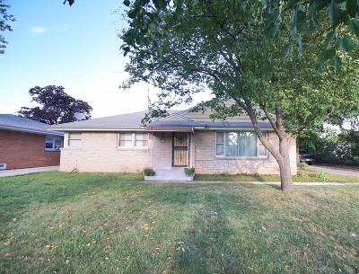 Wauwatosa Single Family Home For Sale: 4022 N 93rd St