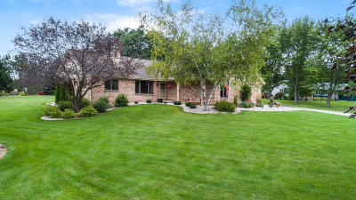 West Bend Single Family Home Active Contingent With Offer: 5163 Juniper Ln