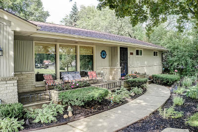 Wauwatosa Single Family Home For Sale: 10926 W Wisconsin Ave