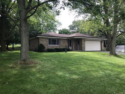 Waukesha Single Family Home Active Contingent With Offer: S31w26223 Sunset Dr
