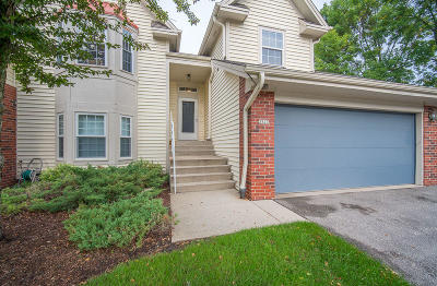 Greenfield Condo/Townhouse For Sale: 3523 W Old Oak Dr