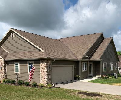 West Bend Condo/Townhouse For Sale: 316 Woodford Dr