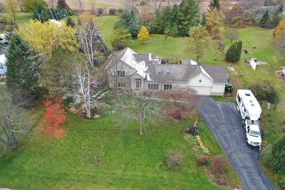West Bend Single Family Home For Sale: 6827 Rueter Ln