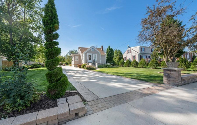 Kenosha Single Family Home For Sale: 4522 40th Ave