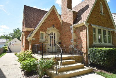 Wauwatosa Single Family Home For Sale: 2445 N 84th St