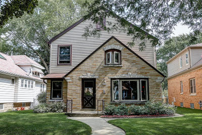 Milwaukee WI Single Family Home For Sale: $295,000