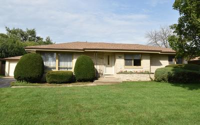 Racine Single Family Home For Sale: 1350 Harrington Dr