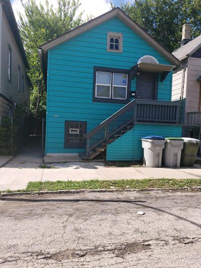 Milwaukee Single Family Home For Sale: 2049 S 15th Place