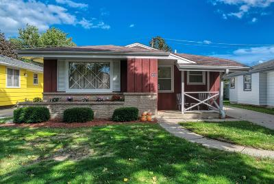 Milwaukee Single Family Home For Sale: 4388 S 5th Pl
