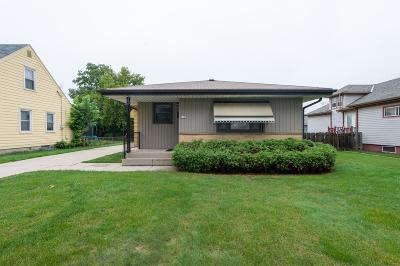 Milwaukee Single Family Home For Sale: 4727 S 22nd St