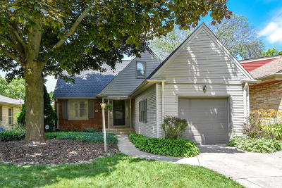 Wauwatosa Single Family Home For Sale: 2611 N 95th St