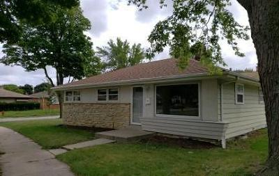 Milwaukee Single Family Home For Sale: 7507 W Glendale Ave