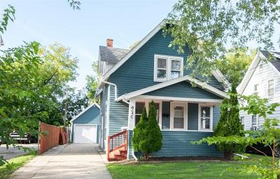Waukesha Single Family Home For Sale: 420 W Newhall St