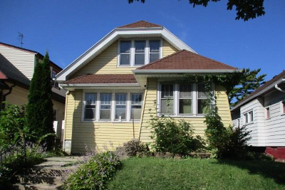 Milwaukee Single Family Home For Sale: 3871 N 25th St