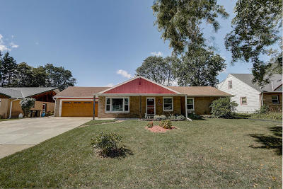 Wauwatosa Single Family Home For Sale: 2461 N 115th Street