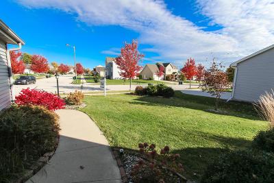 Single Family Home For Sale: W206n16389 Marshland Dr