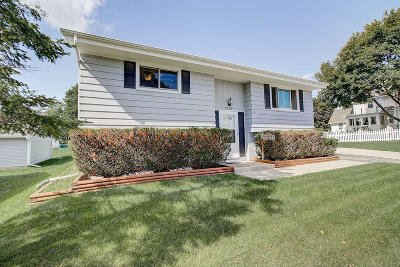 Single Family Home For Sale: 1910 Delafield St