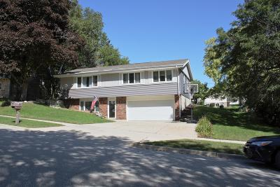 West Bend Single Family Home For Sale: 1218 McKinley St